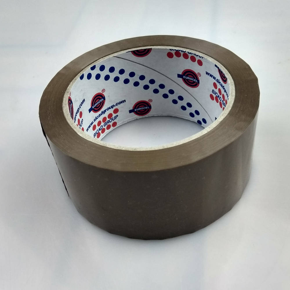 Roll of Low Noise Polypropylene Carton Sealing Tape on its back