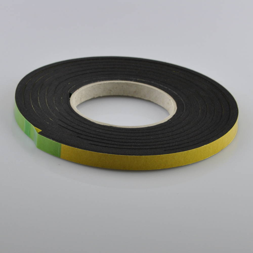 5-10mm x 20mm X 5.6 Metres Polyurethane Expanding Foam Sealing Tape to the left
