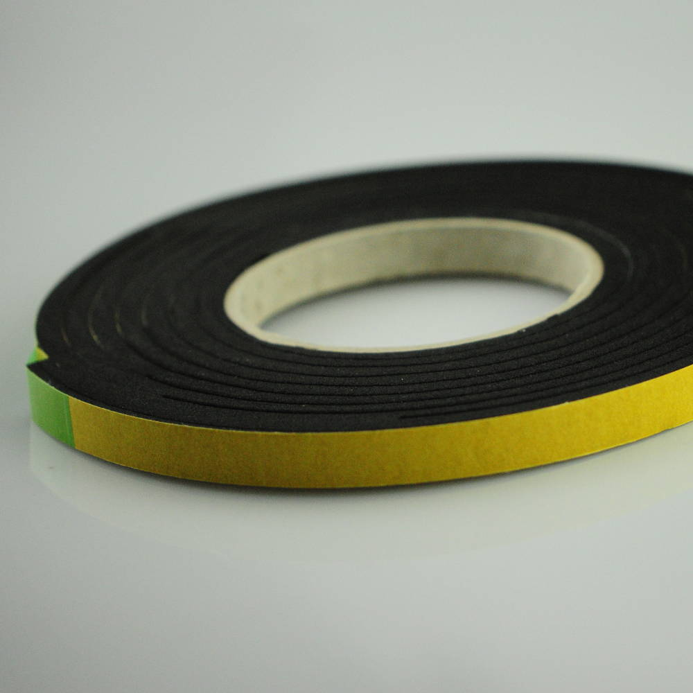 5-10mm x 20mm X 5.6 Metres Polyurethane Expanding Foam Sealing Tape to ther right